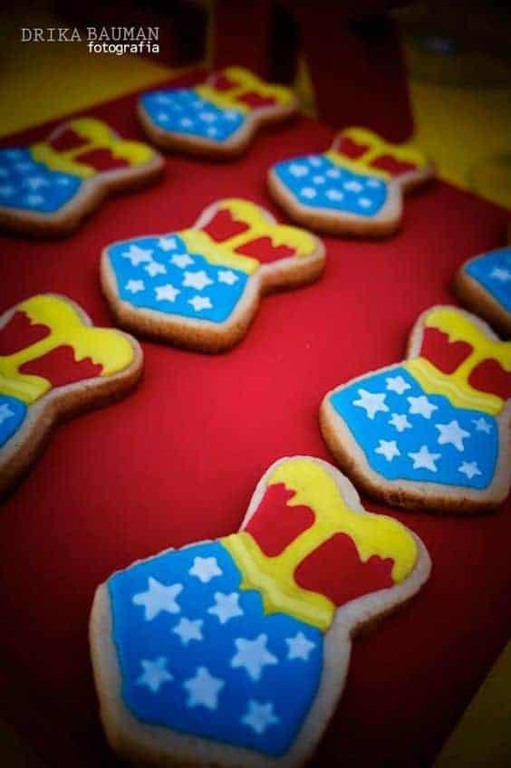 wonder-woman-cookies Halloween DIY Snacks
