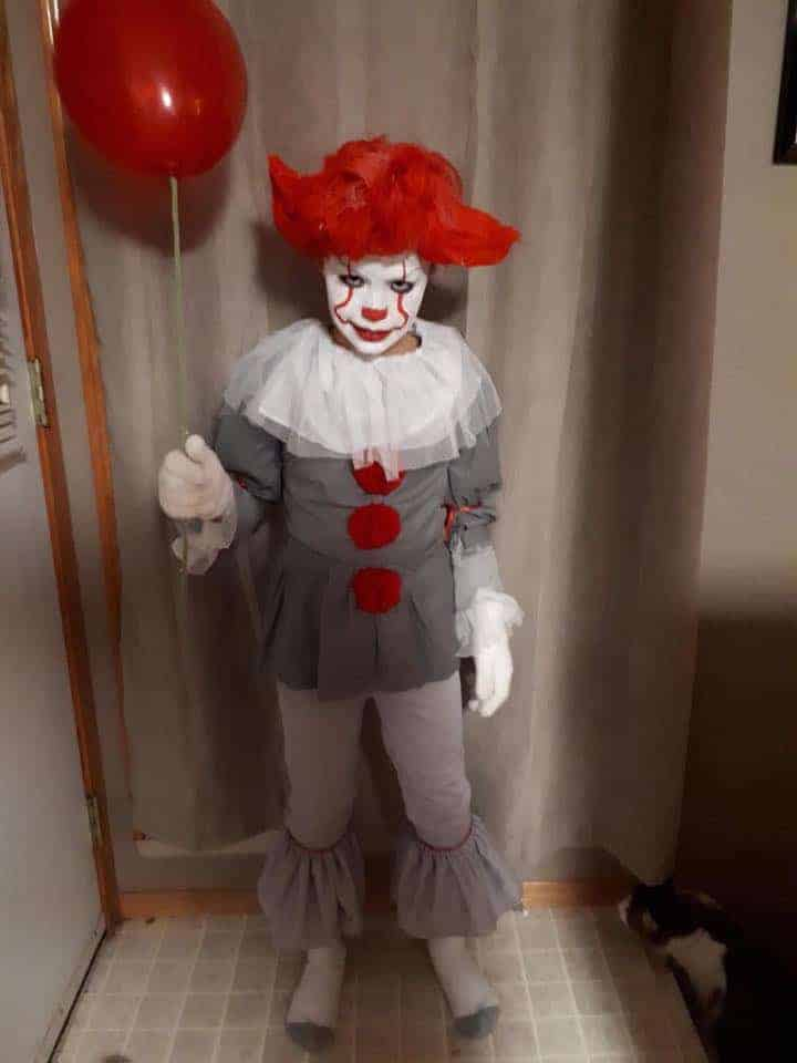 Pennywise Halloween costume