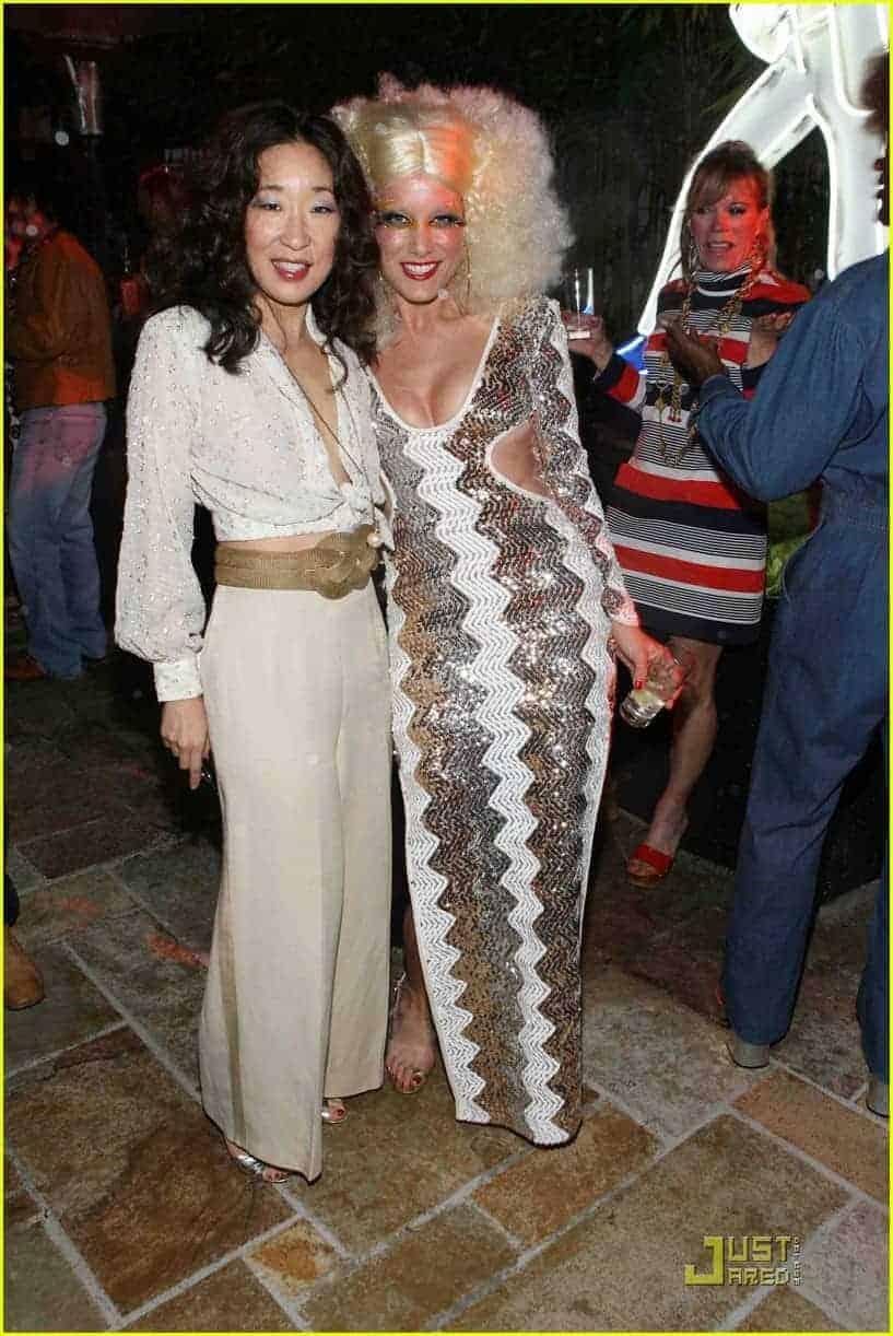 Sandra Oh &0s costume