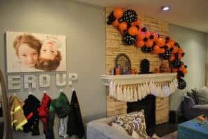 dress-up-corner-and-balloon-arch