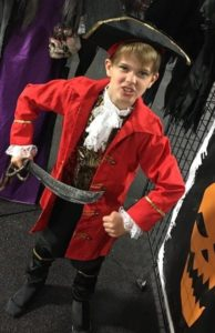 boys-pirate-costume-with-red-coat